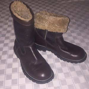 UGG Boots Brooks 6 Women